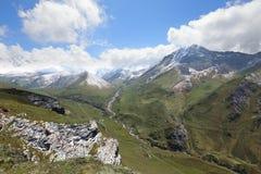 Desfiladeiro de Digor em Ossetia-Alania norte, Rússia Fotografia de Stock Royalty Free