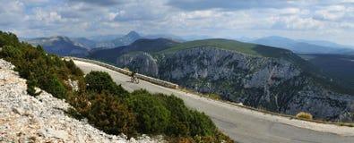Desfiladeiro du Verdon Biking, Provence, França fotografia de stock royalty free