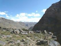 Desfiladeiro no Badakhshan montanhoso imagens de stock