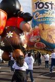Desfile 2012 del cuenco de la fiesta Inflatables grande Fotos de archivo libres de regalías