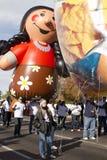 Desfile 2012 del cuenco de la fiesta Inflatables grande Imágenes de archivo libres de regalías