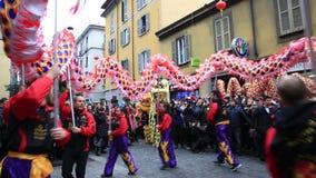 Desfile chino del Año Nuevo en Milán 2014 almacen de video