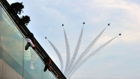Desfile de aviones de la formación F-16 durante desfile del día nacional Imágenes de archivo libres de regalías