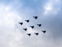 Desfile de aviones del diamante por tifones de la Royal Air Force Fotos de archivo libres de regalías