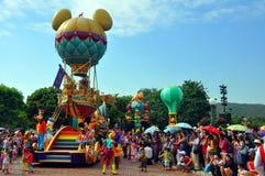 Desfile de Disney con el ratón torpe y de minnie foto de archivo libre de regalías