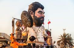 Desfile de la abertura de Viareggio de la 145a edición del carnaval en Viareggio, Italia imagen de archivo libre de regalías