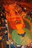 Desfile de la bandera de Buddha en la procesión de Wesak imagen de archivo libre de regalías