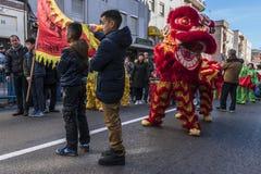 Desfile de la celebración del Año Nuevo chino, año del perro Foto de archivo libre de regalías
