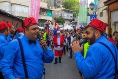 Desfile de la Navidad, parte del día de fiesta de días de fiesta en Haifa Fotos de archivo libres de regalías