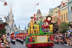 Desfile de la Navidad, reino mágico, la Florida Imágenes de archivo libres de regalías