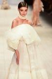 Desfile de moda de Jessica Van Fotos de archivo