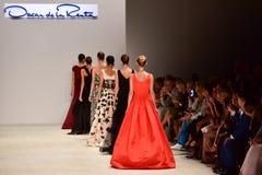Desfile de moda de Oscar de la Renta fotos de stock royalty free