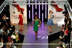 Desfile de moda de Sprin Imagens de Stock Royalty Free