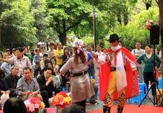 Desfile de moda local no parque de pessoa Chengdu Foto de Stock