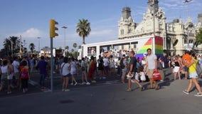 Desfile de orgullo en Barcelona almacen de metraje de vídeo