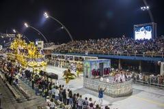 Desfile de Samba School 2013 - Sao Paulo Imagen de archivo