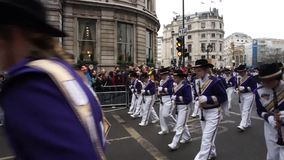2015, desfile del día de Año Nuevo, Londres almacen de metraje de vídeo