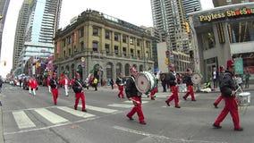 Desfile del día de St Patrick en Toronto metrajes