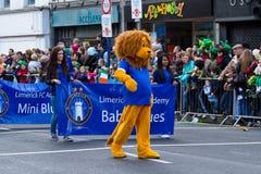 Desfile del día del St. Patrick en quintilla Imagenes de archivo