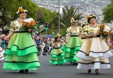 Desfile del festival de la flor de Madeira en Funchal en la isla de Madeira portugal Foto de archivo libre de regalías
