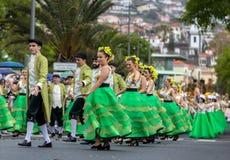 Desfile del festival de la flor de Madeira en Funchal en la isla de Madeira portugal Foto de archivo
