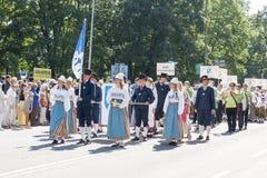 Desfile del festival nacional estonio de la canción en Tallinn, Estonia Foto de archivo libre de regalías