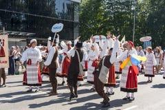 Desfile del festival nacional estonio de la canción en Tallinn, Estonia fotografía de archivo