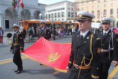Desfile del MORENO de marinas de guerra extranjeras. Bandera de Montenegro Fotos de archivo
