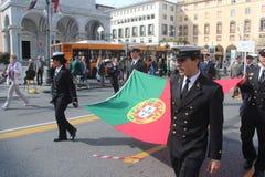 Desfile del MORENO de marinas de guerra extranjeras. Bandera de Portugal Foto de archivo