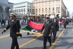 Desfile del MORENO de marinas de guerra extranjeras. Banderas de Libia Foto de archivo libre de regalías