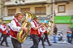 Desfile durante el festival de Las Fallas foto de archivo libre de regalías