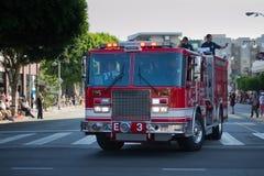 Desfile magnífico de la vieja de la moda del coche de bomberos 73a semana anual de Nisei Fotografía de archivo libre de regalías