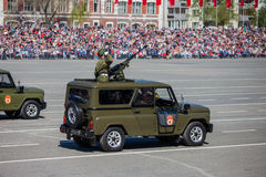 Desfile militar durante la celebración del día de la victoria foto de archivo libre de regalías