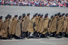 Desfile militar durante la celebración del día de la victoria foto de archivo