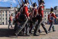 Desfile militar en Collins Barracks en Dublín, Irlanda, 2015 Imagen de archivo libre de regalías