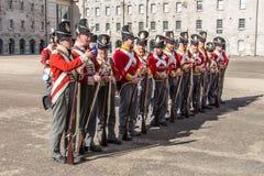 Desfile militar en Collins Barracks en Dublín, Irlanda, 2015 Imágenes de archivo libres de regalías