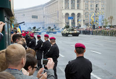 Desfile militar en la capital ucraniana Imagenes de archivo
