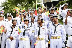 19 11 2017 desfiles navales, internacionales internacionales 2017 del aniversario del ` s 50 de la ANSA del comentario de la flot Imagenes de archivo