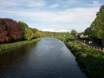 Desgaste y orilla - Durham, Inglaterra del río Imágenes de archivo libres de regalías