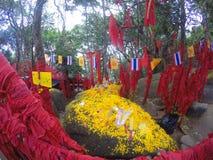 Desideri sui nastri rossi in Khao Khitchakut, Tailandia Fotografia Stock