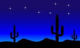 Desierto con las plantas del cactus. Noche