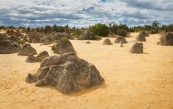 Desierto de los pináculos en el parque nacional de Nambung Imagen de archivo libre de regalías