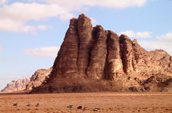 Desierto del ron del lecho de un río seco en Jordania. Foto de archivo