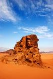 Desierto del ron del lecho de un río seco en Jordania Fotos de archivo libres de regalías