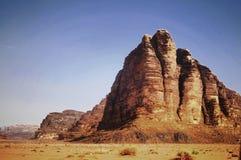 Desierto del ron del lecho de un río seco en Jordania Imagen de archivo