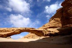 Desierto Jordania del ron del lecho de un río seco Imagen de archivo libre de regalías