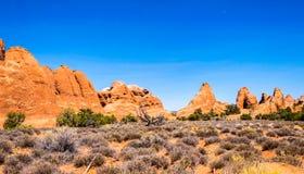 Desierto Moab en Utah Rocas de la piedra arenisca en parque nacional de los arcos Viaje a través de los E.E.U.U. del oeste Fotografía de archivo