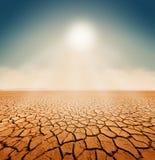 Desierto seco del mar de la sal - calentamiento del planeta libre illustration
