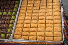 Desierto tradicional turco del baklava en el mercado Imagen de archivo