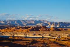Desiertos y agua - la belleza del lago Powell Region foto de archivo libre de regalías